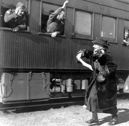 railway-farewell-scene
