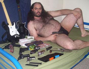 bro_guns.jpg